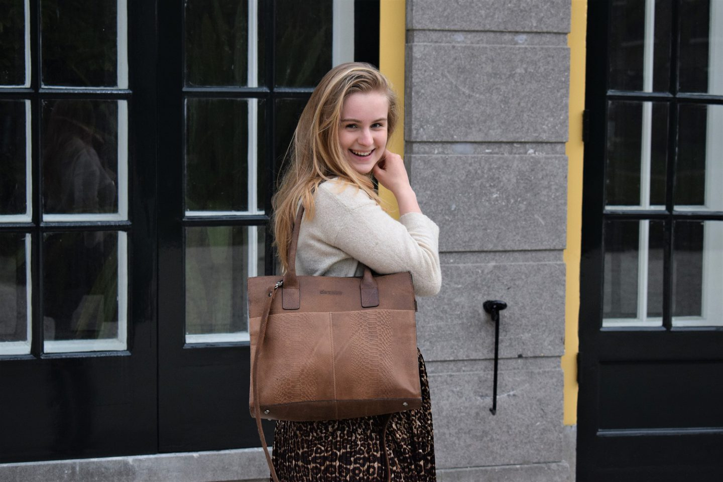 Outfit, The Bag Store, DSTRCT, De ideale tas, samenwerking